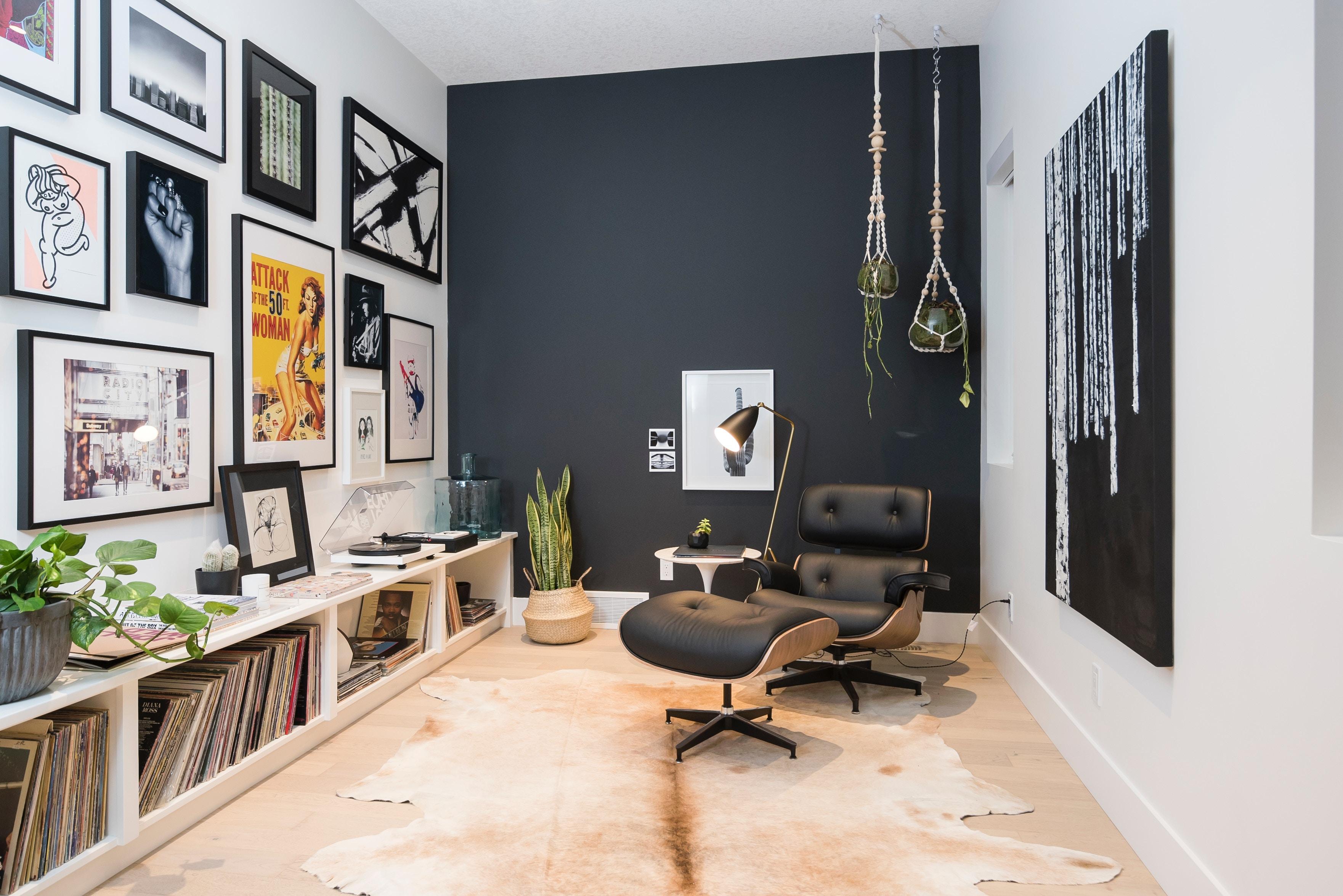 Poltrona Lounge Base de Alumínio Charles Eames com Puff