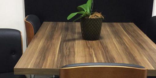 Descubra como montar uma sala de reuniões funcional